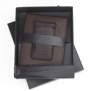 Neiman Marcus Mens Front Pocket Leather Wallet